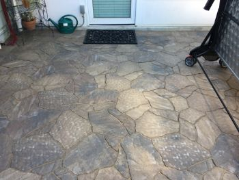 A picture of flagstone patio in San Ramon.